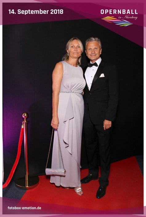 opernball-nuernberg-2018-fotobox-18