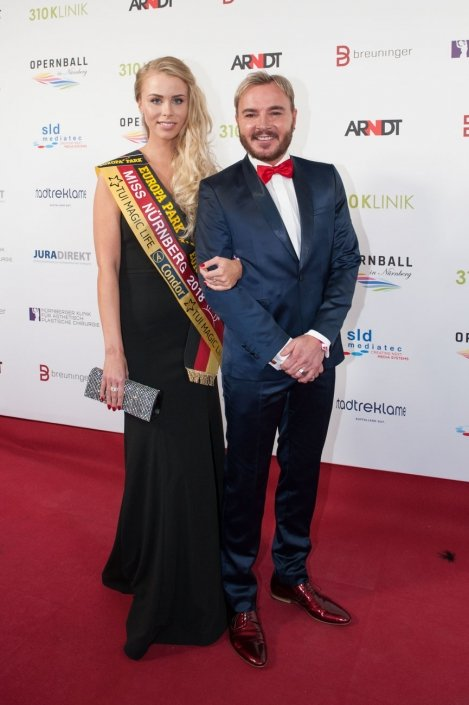 opernball-nuernberg-2018-red-carpet-100