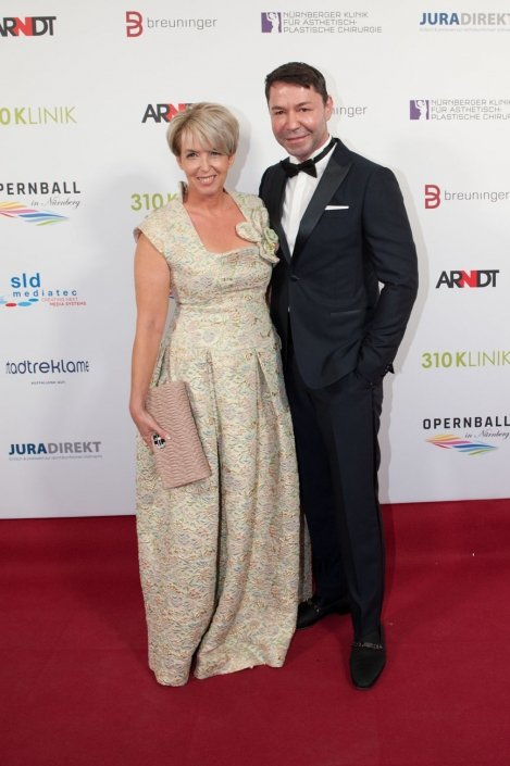 opernball-nuernberg-2018-red-carpet-102