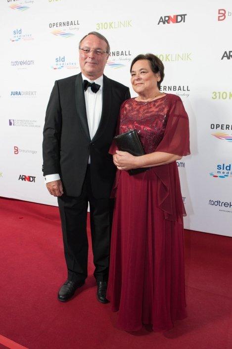 opernball-nuernberg-2018-red-carpet-194