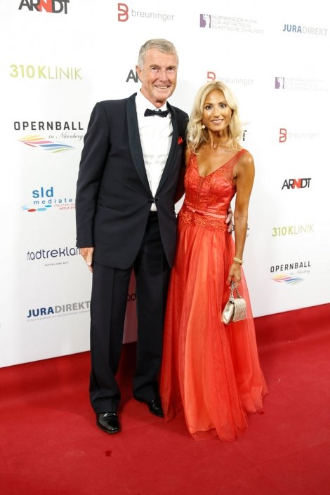 opernball-nuernberg-2018-red-carpet-38