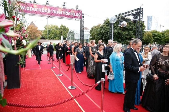 opernball-nuernberg-2018-red-carpet-6